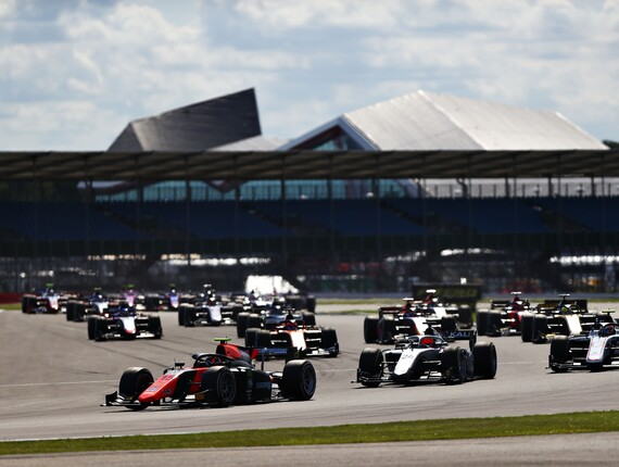 FIA F2 Championship, Silverstone, Feature Race Report